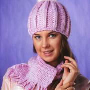 Как связать спицами укороченный шарф с кистями и шапочка с помпоном