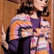 Как связать спицами шарф-палантин с графическим рисунком
