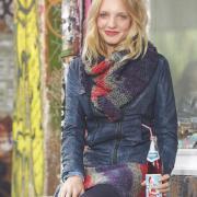 Как связать спицами цветной длинный шарф и юбка