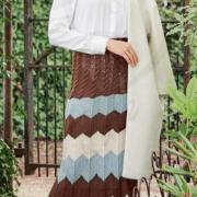 Как связать спицами юбка миди с цветным узором зигзаг
