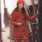Как связать спицами красное пальто для девочки с карманами и шапка в тон