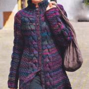 Как связать спицами меланжевое пальто с косами
