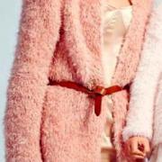 Как связать спицами пушистое пальто с расклешенным фасоном без застежек