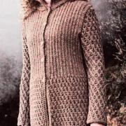 Как связать спицами рельефное пальто со стоячим воротником