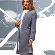 Как связать спицами удлиненное пальто с поясом