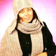 Как связать крючком шапочка-ушанка с узором из кос и длинный шарфик