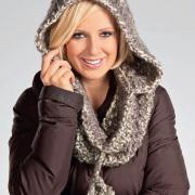 Как связать крючком шарф-хомут с капюшоном