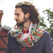 Как связать крючком шарф-хомут с жаккардовым узором